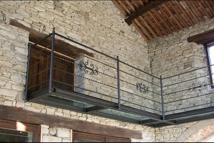 Amato Poggio costruzioni in ferro, cancelli, cancellate, ringhiere  FM67
